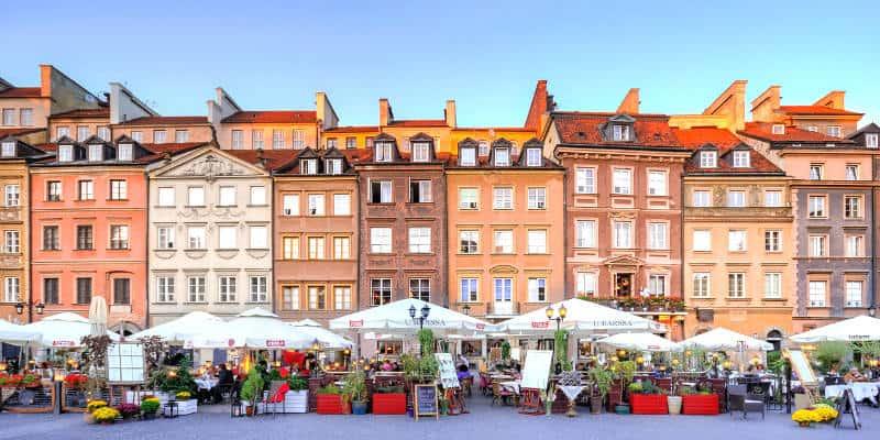 trasferirsi vivere lavorare a Varsavia Polonia