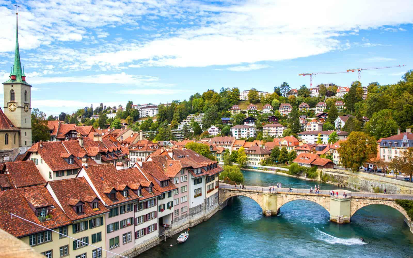 Lavorare in Svizzera nel 2021: stipendi, permessi e offerte di lavoro