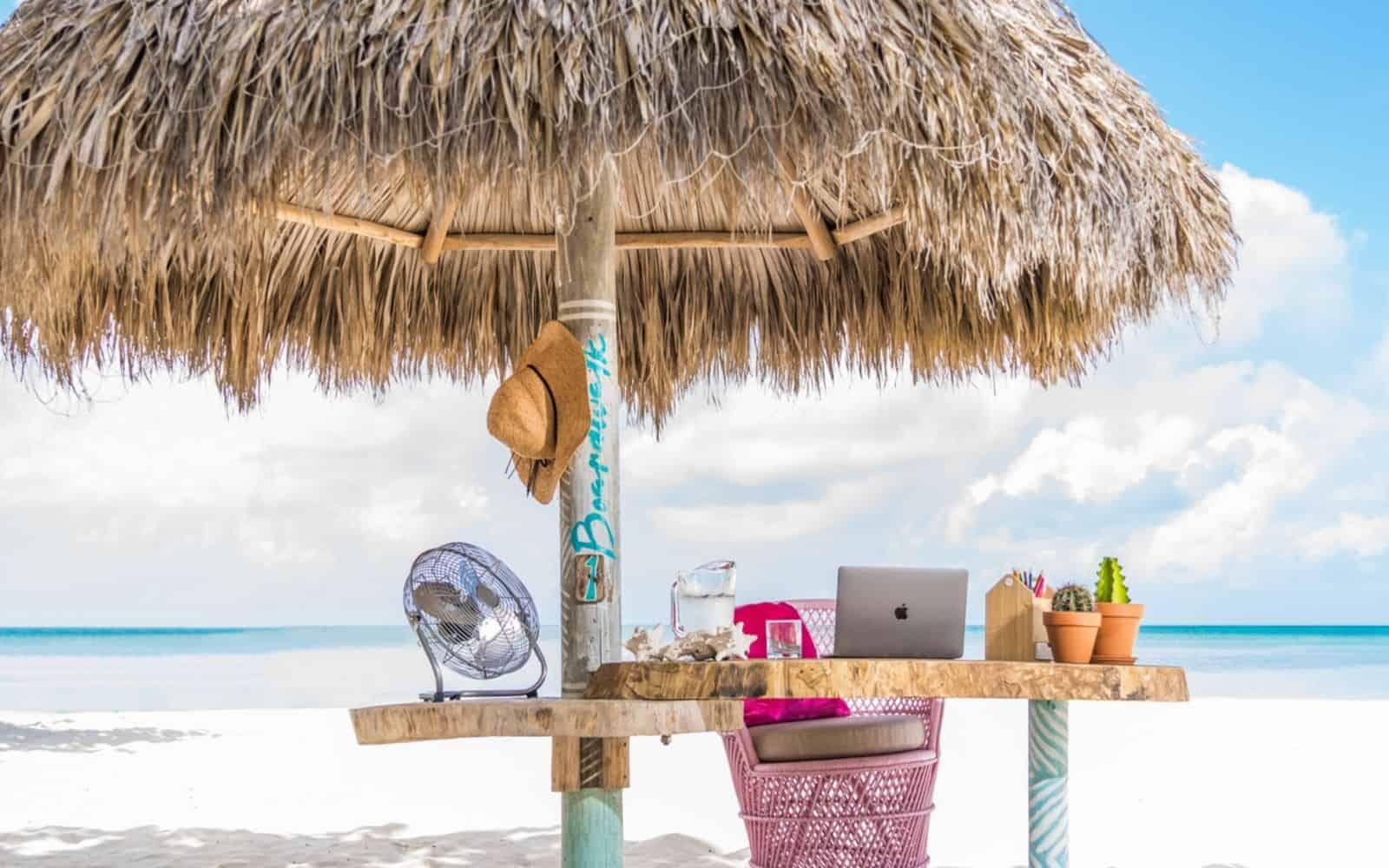 lavorare in spiaggia Aruba
