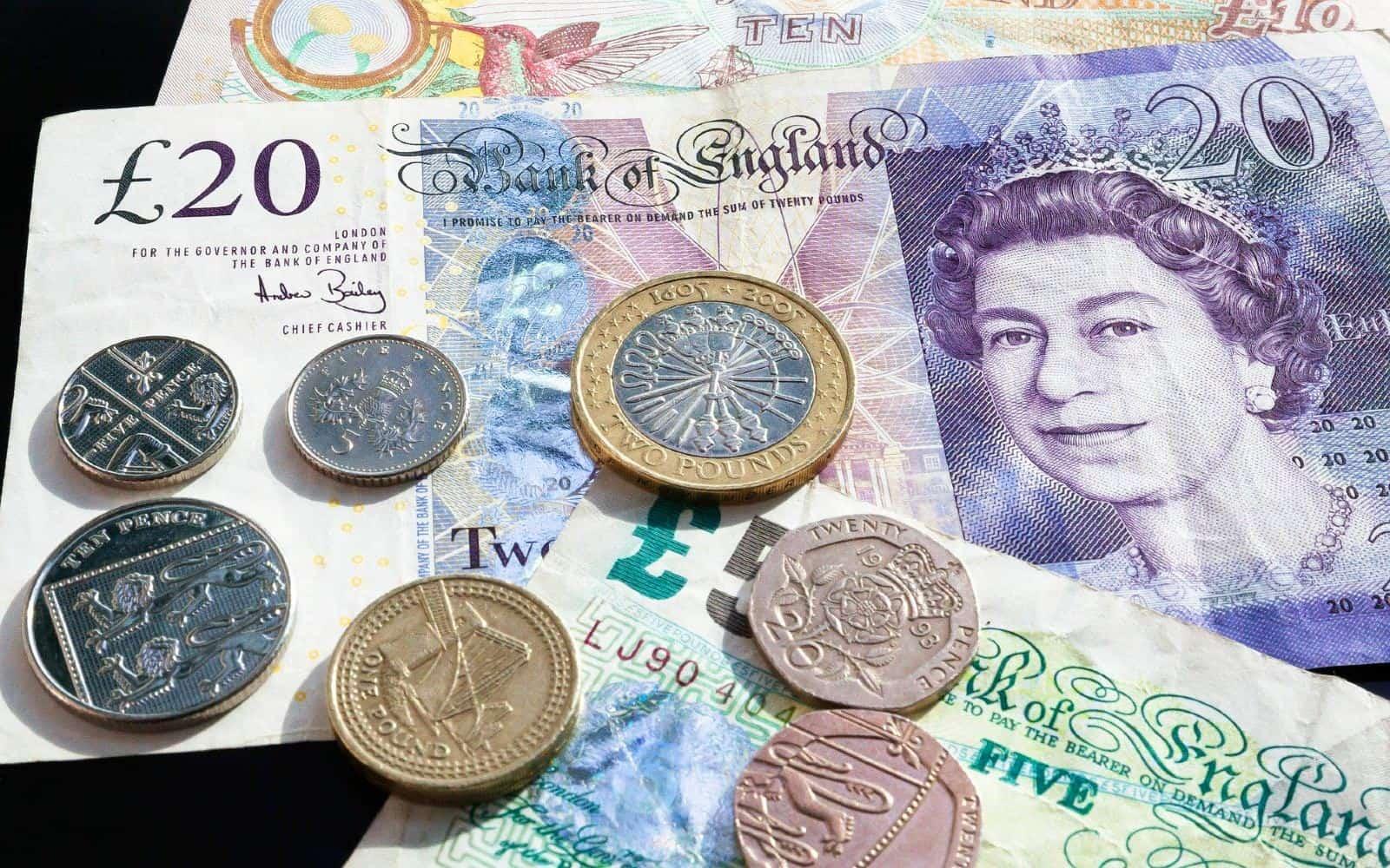 inviare denaro in Inghilterra
